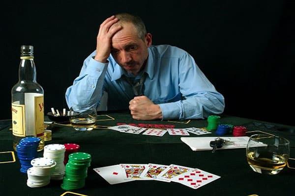 Tilt in Poker คืออะไรวิธีควบคุมและป้องกันการเอียงอย่างมีประสิทธิภาพ