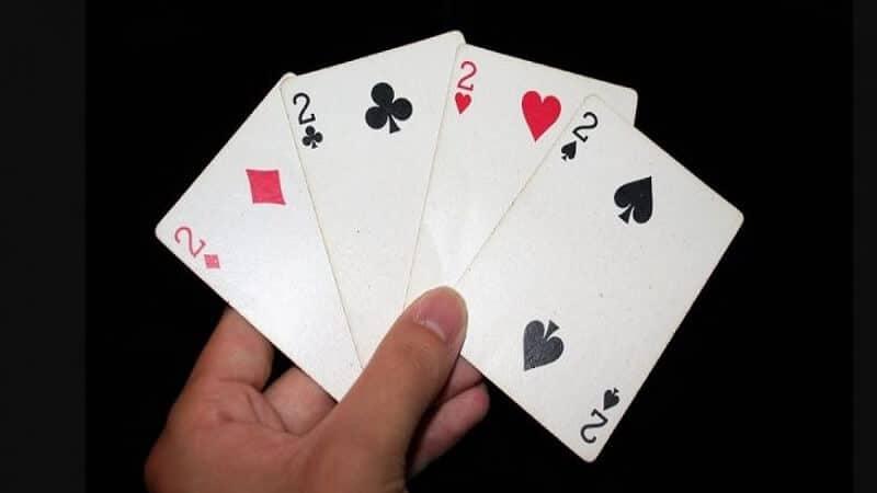 กระเทียมหอมคืออะไร?  คำแนะนำในการเล่นไพ่ป๊อกเด้ง